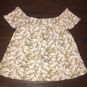 American eagle floral top!